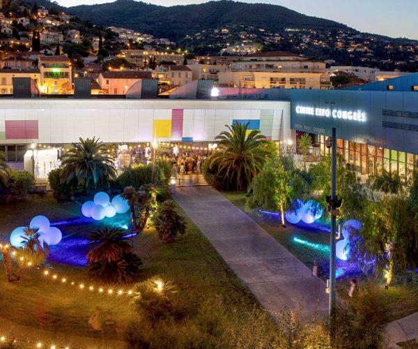 Le Centre Expo Congrès de Mandelieu-La-Napoule pour l'organisation d'événements professionnels